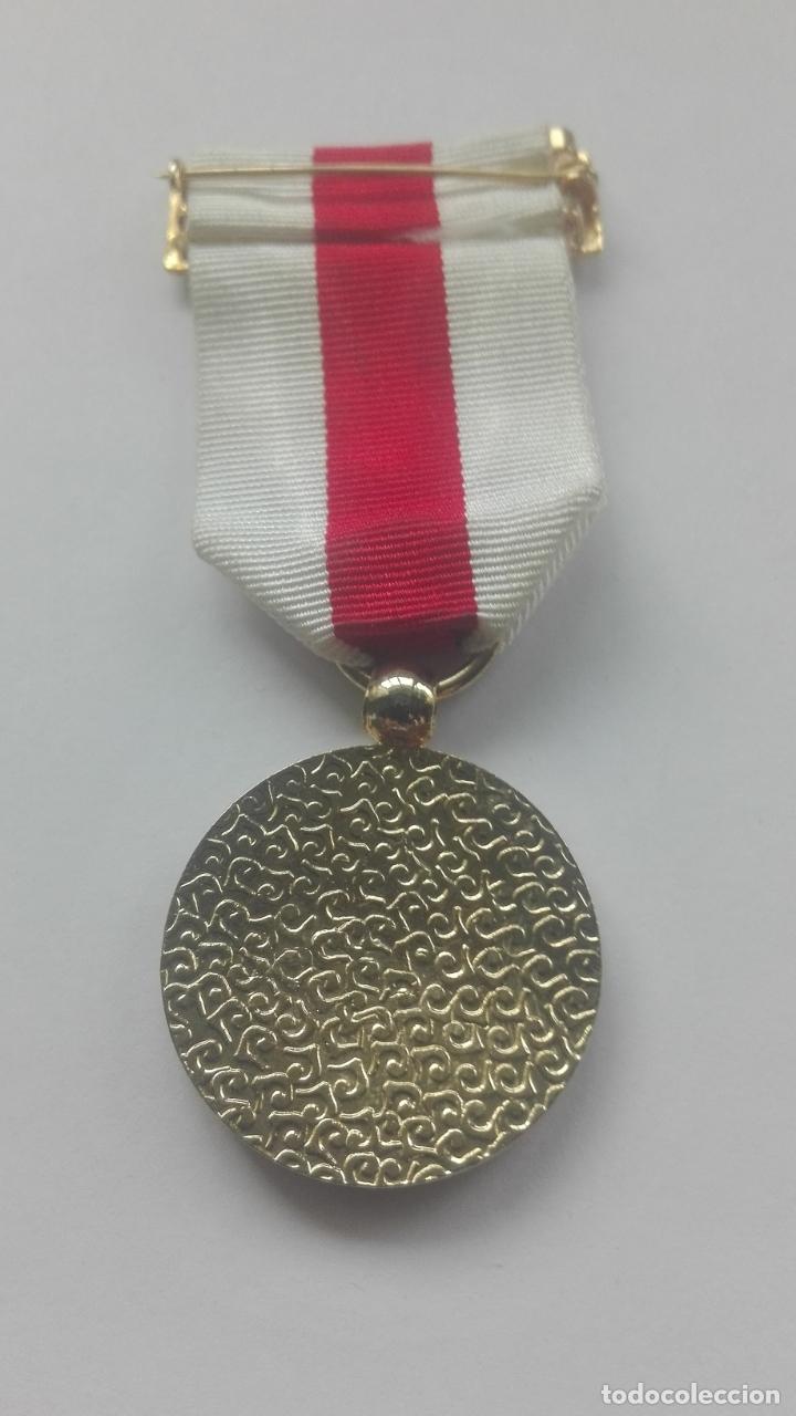 Militaria: Medalla de la Cruz Roja - Foto 3 - 164637890