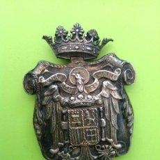 Militaria: ANTIGUA MEDALLA ÉPOCA DE FRANCO EN PLATA. M 6X4,5 CM. Lote 217563015