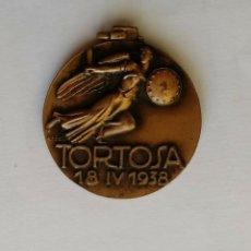 Militaria: MEDALLA TOMA TORTOSA (TARRAGONA) ABRIL 1938 CATEGORIA BRONCE MARCADA AFFER GUERRA CIVIL. Lote 165073410