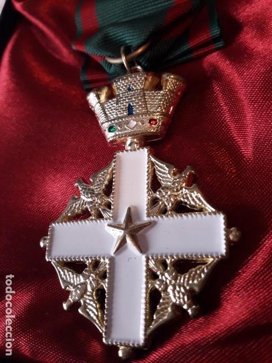 MEDALLA DE LA ORDEN DEL MERITO DE LA REPÚBLICA DE ITALIA (Militar - Reproducciones y Réplicas de Medallas )