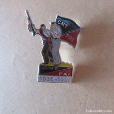 Militaria: PIN INSIGNIA GUERRA CIVIL REPUBLICA CNT . Lote 166311842