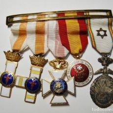 Militaria: PRECIOSO PASADOR CON 5 MEDALLAS DE FINALES DE LA EPOCA DE FRANCO.. Lote 130965976