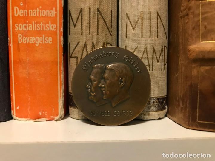 Militaria: Medalla conmemorativa nuevo canciller de Alemania Hindenburg Hitler 1933, nazi, Tercer III Reich - Foto 2 - 168102492