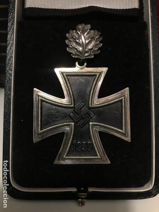 CRUZ DE CABALLERO CON HOJAS DE ROBLE EICHENLAUB RITTERKREUZ REICH HITLER FUHRER NSDAP NAZI (Militar - Reproducciones y Réplicas de Medallas )