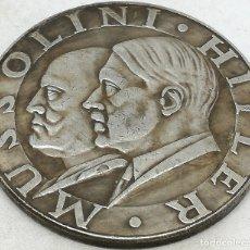 Militaria: RÉPLICA MEDALLA HITLER MUSSOLINI. EJE BERLÍN ROMA. ALEMANIA. PRE II GUERRA MUNDIAL. 1937-38. Lote 172391427