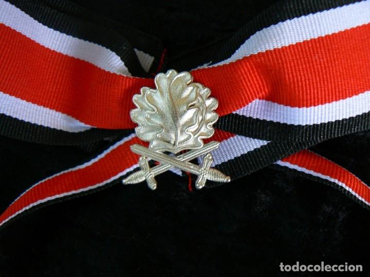 Militaria: Hojas de roble y espadas en plata con cinta.para la cruz de hierro. tercer reich - Foto 2 - 174024593