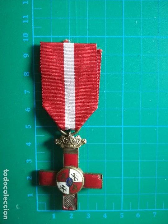 CRUZ ROJA MÉRITO MILITAR GUERRA CIVIL ESPAÑOLA (Militar - Medallas Españolas Originales )