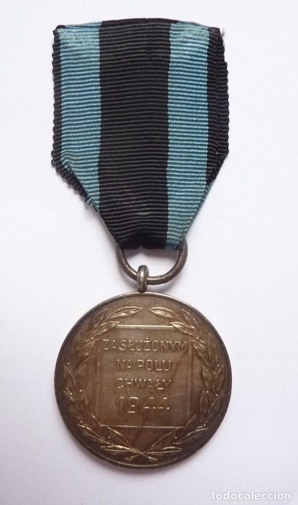Militaria: Polonia 1944: Medalla Mérito Militar en Campo de la Gloria. Virtuti Militari. Distinción en combate - Foto 3 - 175152545