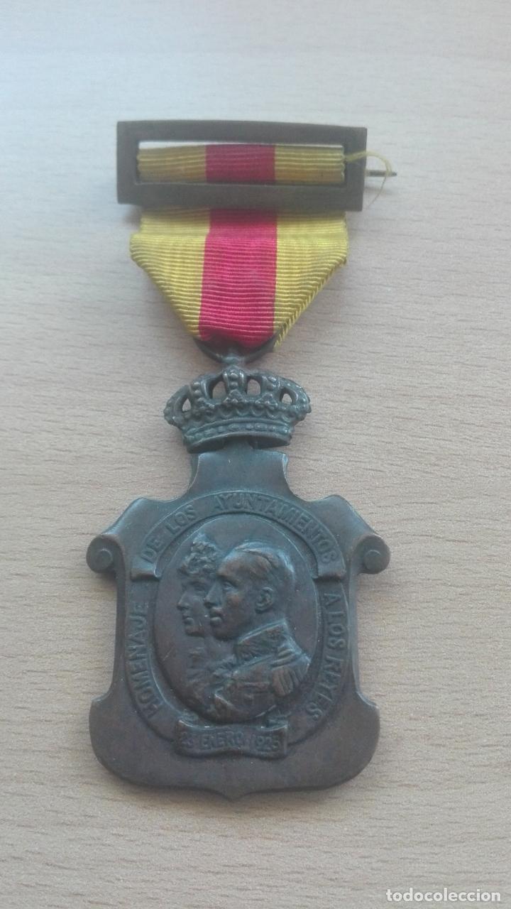 MEDALLA DE LOS AYUNTAMIENTOS. ÉPOCA ALFONSO XIII (Militar - Medallas Españolas Originales )