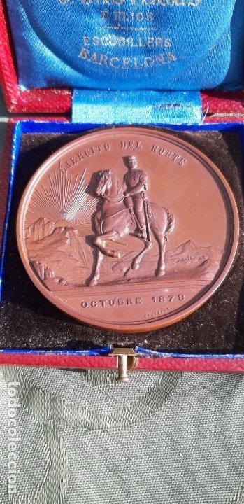 Militaria: Antigüa medalla Alfonso XII conmemorativa al ejército del norte, original de 1878 - Foto 3 - 176622193