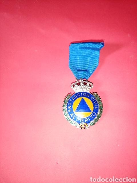 MEDALLA DE SEGUNDA CLASE AL MÉRITO DE PROTECCIÓN CIVIL (Militar - Medallas Españolas Originales )