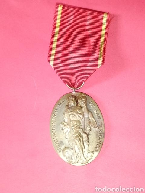 MEDALLA ASOCIACIÓN DE DAMAS DE SAN FERNANDO MILITAR INGENIEROS (Militar - Medallas Españolas Originales )