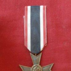 Militaria: MEDALLA CONDECORACIÓN ALEMANA ORDEN AL MÉRITO SIN ESPADAS II SEGUNDA GUERRA MUNDIAL III REICH ALEMÁN. Lote 178807711