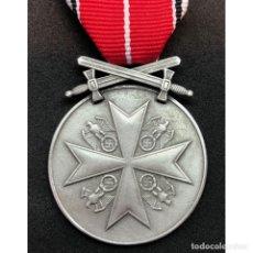 Militaria: MEDALLA AL MERITO DE LA ORDEN DEL AGUILA CON ESPADAS. Lote 179013001