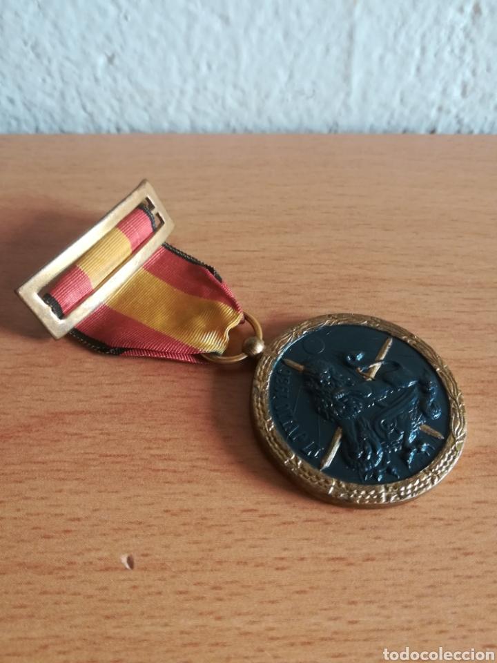 Militaria: Medalla 17 julio 1936 - Arriba España - Foto 5 - 179028351