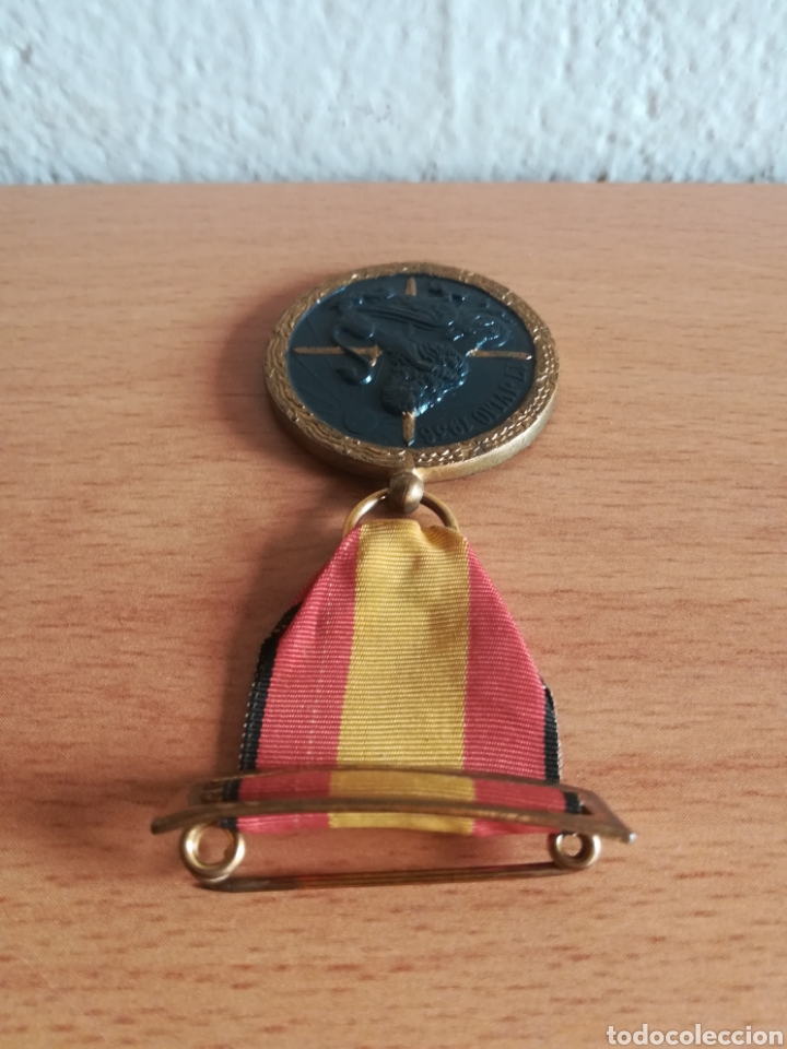 Militaria: Medalla 17 julio 1936 - Arriba España - Foto 8 - 179028351
