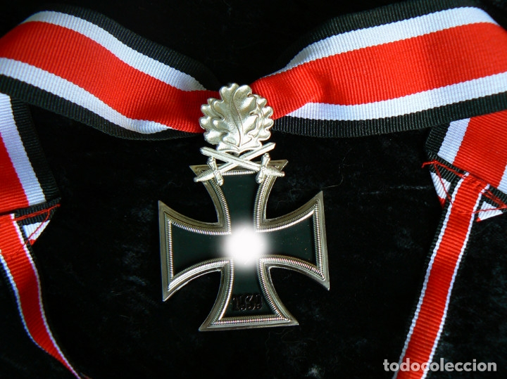 CRUZ DE CABALLERO DE LA CRUZ DE HIERRO CON HOJAS DE ROBLE Y ESPAGAS. 1939 (Militar - Reproducciones y Réplicas de Medallas )