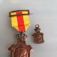 Militaria: LOS AYUNTAMIENTOS A ALFONSO XIII.. Lote 180124373
