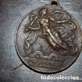 ANTIGUA MEDALLA ALZAMIENTO 18 JULIO 1936- AÑO DE LA VICTORIA - 1 ABRIL 1939 - (Militar - Medallas Españolas Originales )