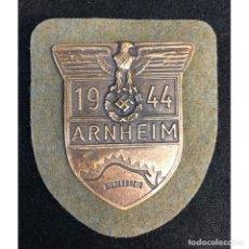 Militaria: ESCUDO ARNHEIM 1944 ALEMANIA NAZI TERCER REICH WEHRMACHT. Lote 221801342