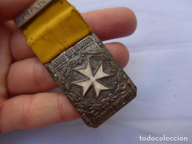 Militaria: * Antigua medalla de damas auxiliares de guerra civil, sanidad militar, original. ZX - Foto 3 - 182329970