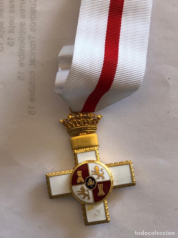 MEDALLA CRUZ MÉRITO MILITAR DISTINTIVO BLANCO (Militar - Medallas Españolas Originales )
