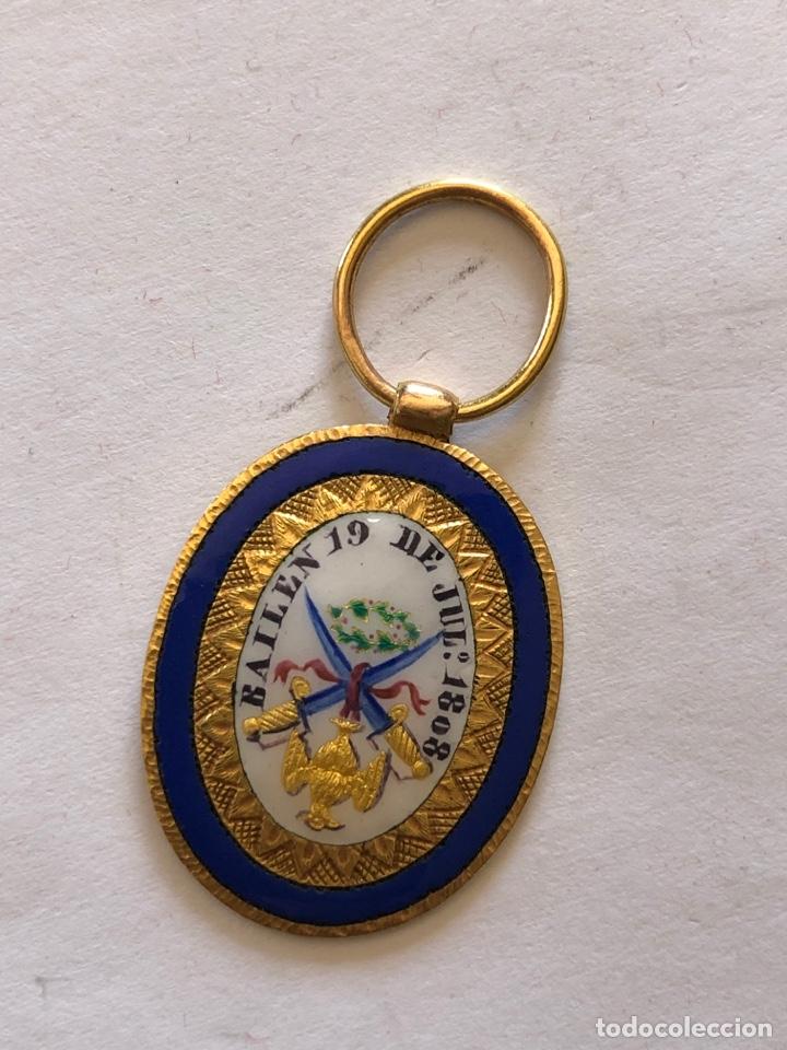 COLGANTE EN ESMALTE Y DORADO BAILEN 19 DE JULIO 1808 (Militar - Medallas Españolas Originales )