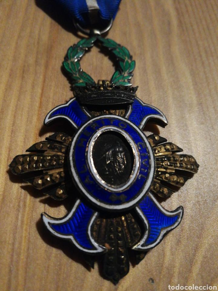 Militaria: Condecoración al mérito civil - Foto 2 - 183200188