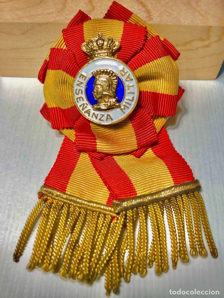 Militaria: Distintivo Profesorado de la Escuela de Estado Mayor del Ejército. Época Franco. - Foto 3 - 184341971
