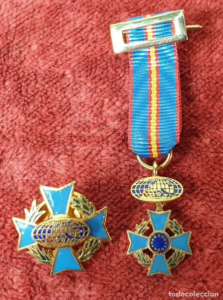 PIN Y CONDECORACIÓN. CRUZ MALTESA LAUREADA. COMUNIDAD EUROPEA. SIGLO XX. (Militar - Medallas Españolas Originales )