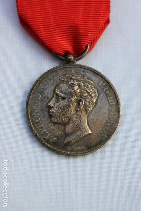 MEDALLA MAYORIA EDAD DE ALFONSO XIII -1902 - PLATA (Militar - Medallas Españolas Originales )