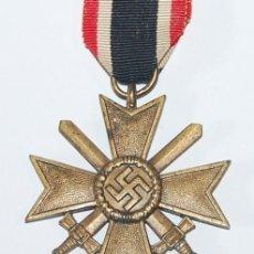 Militaria: CRUZ AL MERITO DE GUERRA 2ª CLASE CON ESPADAS (KRIEGSVERDIENSTKREUZ 2 KLASSE). Lote 187500191