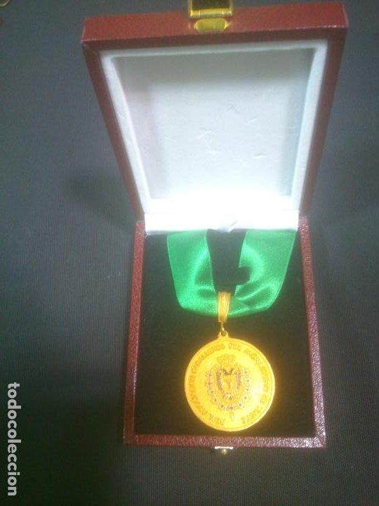 MEDALLA DE HONOR REAL ASOCIACION CABALLEROS DEL MONASTERIO DE YUSTE, EN SU ESTUCHE ORIGINAL. (Militar - Medallas Españolas Originales )