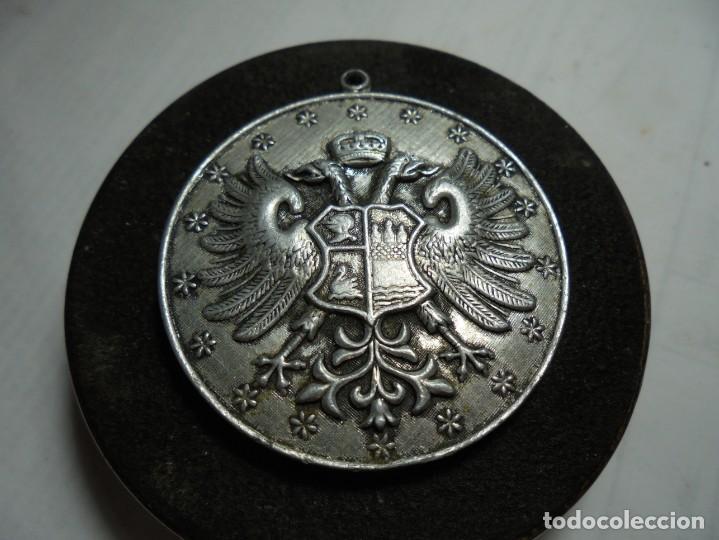 MAGNIFICA ANTIGUA MEDALLA EN ALUMINIO (Militar - Medallas Españolas Originales )
