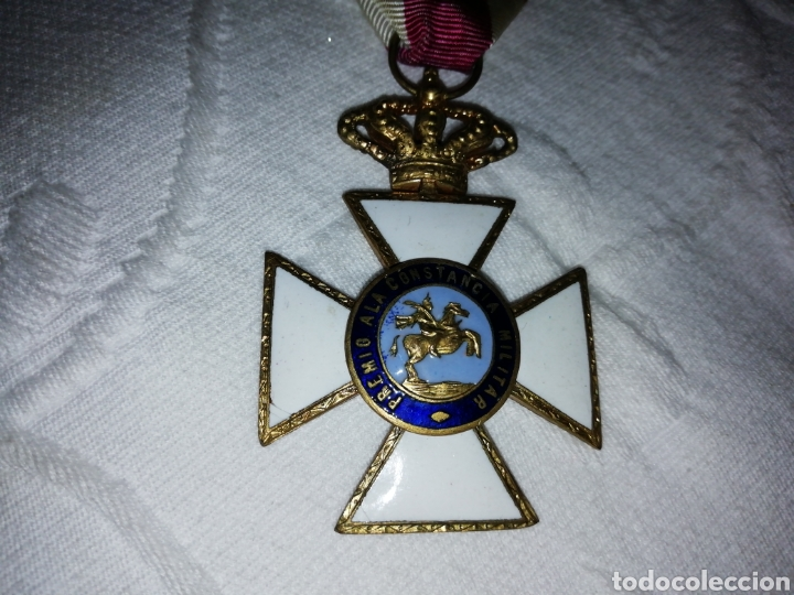 Militaria: Medalla al mérito militar y pasador. - Foto 3 - 189710506