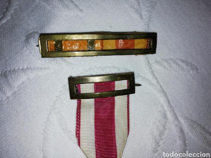 Militaria: Medalla al mérito militar y pasador. - Foto 4 - 189710506