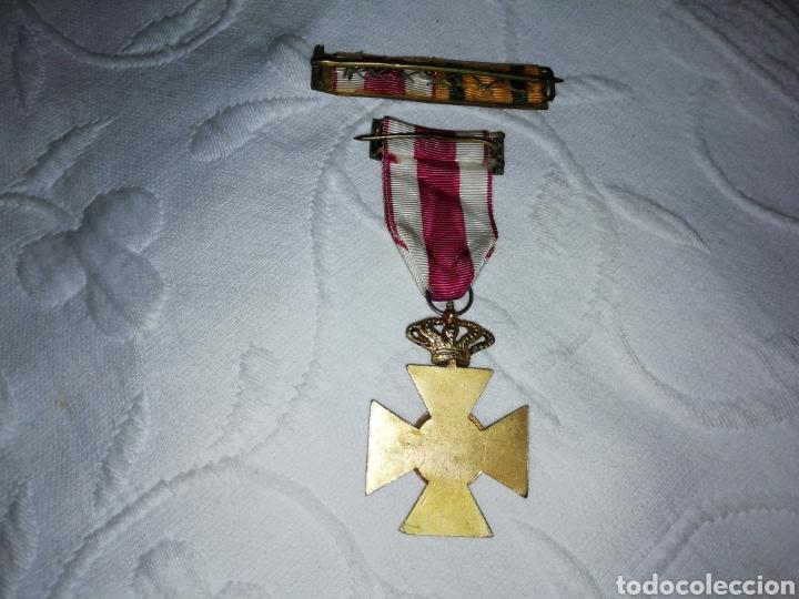 Militaria: Medalla al mérito militar y pasador. - Foto 5 - 189710506