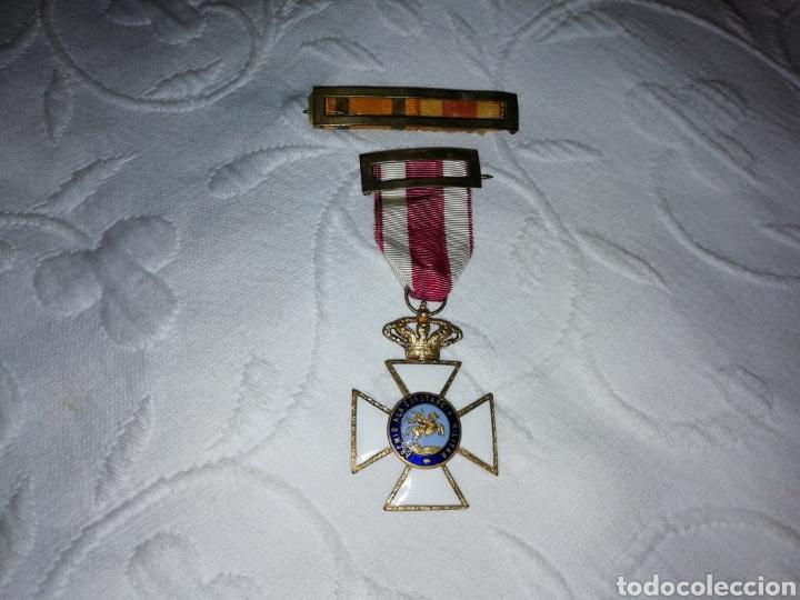 MEDALLA AL MÉRITO MILITAR Y PASADOR. (Militar - Medallas Españolas Originales )