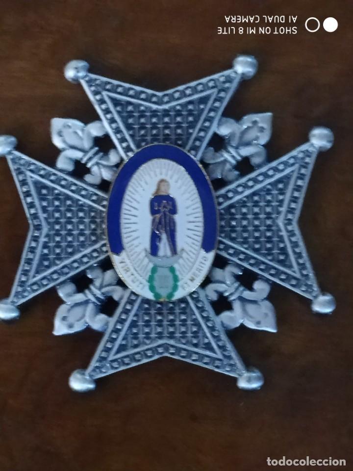 MEDALLA CRUZ MILITAR ORDEN EJERCITO CARLOS III . EN EL CENTRO LA INSIGNIA ES ESMALTADA (Militar - Reproducciones y Réplicas de Medallas )