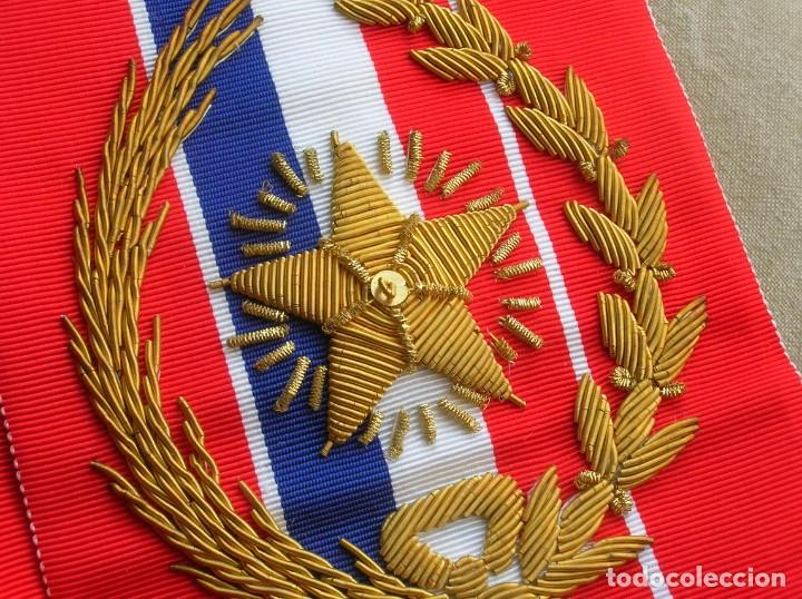 Militaria: ANTIGUA Y ESCASA ORDEN AL MERITO NACIONAL DE PARAGUAY. EXCEPCIONALES PLACA Y BANDA BORDADA. - Foto 9 - 190833642