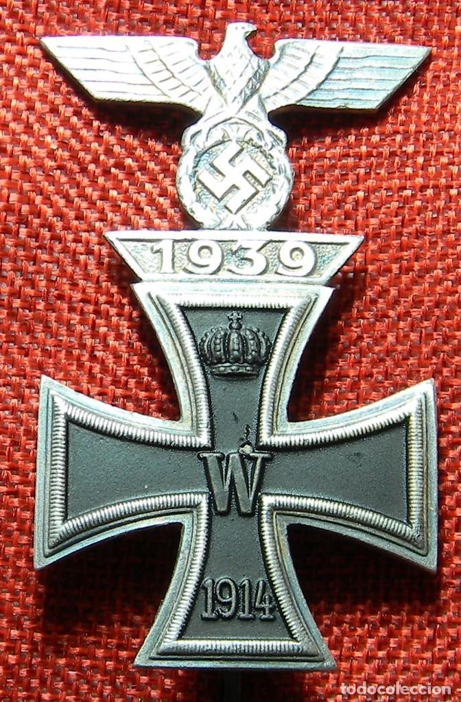 CRUZ DE HIERRO DE 1ª CLASE IRON CROSS. EISERNES KREUZ 1 KLASSE + SPANGE 1939. MEDIDAS 72 X 44 MM. (Militar - Reproducciones y Réplicas de Medallas )