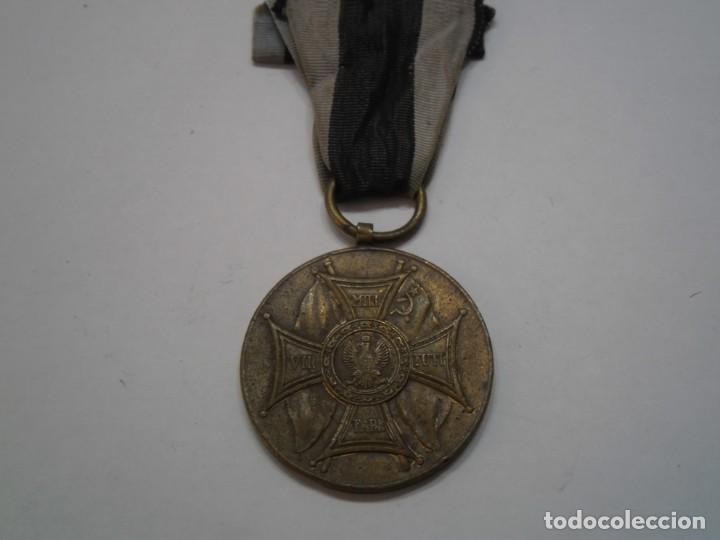 Militaria: Polonia-Medalla Bronce al Merito en el Campo de la Gloria-1 modelo con su cinta-rarisima pieza - Foto 5 - 194144812