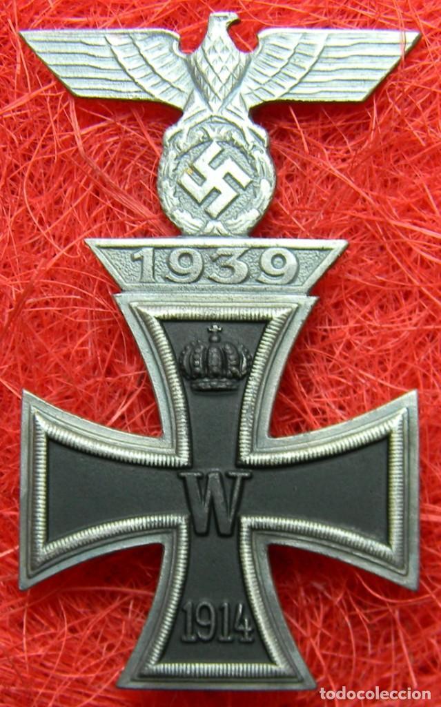 CRUZ DE HIERRO DE 1ª CLASE IRON CROSS. EISERNES KREUZ 1 KLASSE + SPANGE 1939. MEDIDAS 72 X 44 MM (Militar - Reproducciones y Réplicas de Medallas )