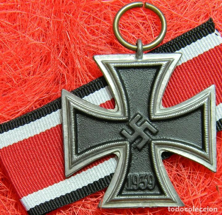 EKII CRUZ DE HIERRO DE 2ª CLASE. EISERNES KREUZ 2 KLASSE. MEDIDAS 44 X 44 MM. BUNTMETALL. (Militar - Reproducciones y Réplicas de Medallas )