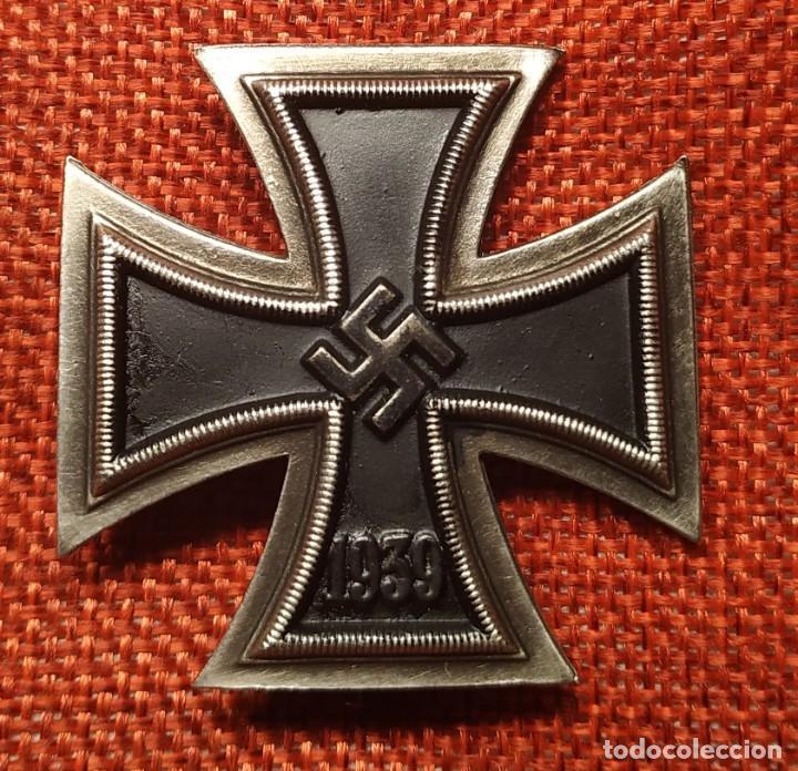 Militaria: 1939. EK1 Cruz de hierro de 1ª Clase Iron Cross. Eisernes Kreuz I Klasse. Dimensiones 44 x 44 mm. - Foto 3 - 194149738