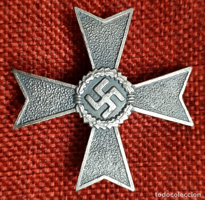 CRUZ AL MÉRITO SIN ESPADAS 1ª CLASE. KRIEGSVERDIENSTKREUZ. MEDIDAS: 47 X 47 MM. (Militar - Reproducciones y Réplicas de Medallas )