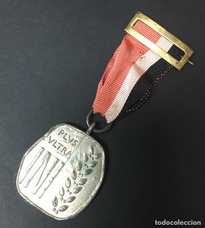 INI CATEGORÍA PLATA (Militar - Medallas Españolas Originales )