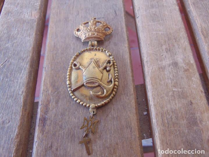 RARA VENERA MEDALLA EN BRONCE ?? SÍMBOLO PAPAL ANCLA ANAGRAMA DE MARIA CORONA ALFONSINA VATICANO (Militar - Medallas Españolas Originales )