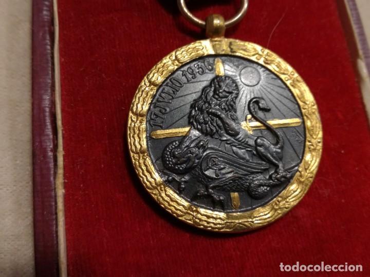 Militaria: Medalla de la campaña 1936-39. Guerra Civil española, Legión Cóndor - Foto 4 - 194381731