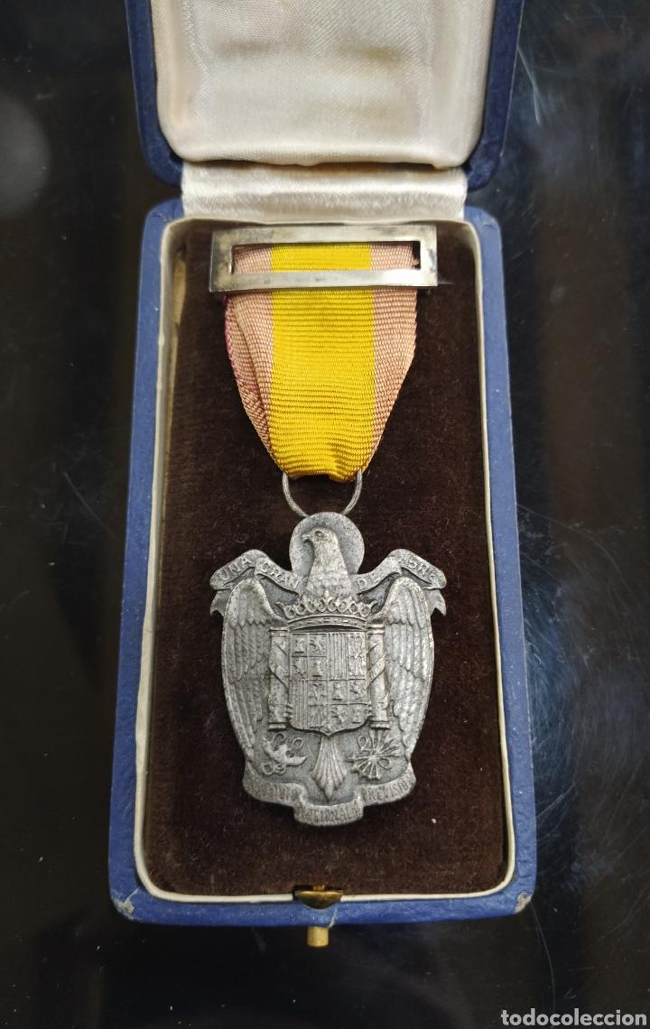 Militaria: C.R. MEDALLA DE PLATA , INSTITUTO NACIONAL DE PREVISIÓN, UNA GRANDE LIBRE - Foto 2 - 194390607